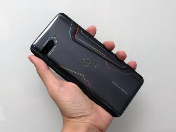 華碩ROG Phone二代拆機 確認機身鋁片不支援主動散熱