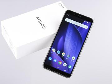 平價夏普手機搭前代旗艦處理器 SHARP AQUOS V開箱