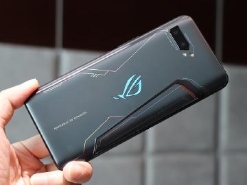 ROG Phone 2紳士黑旗艦版即日上市 12/9大全配行李箱開賣