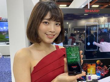 [影片]台灣夏普展示5G原型手機 AQUOS Zero 2同場現身
