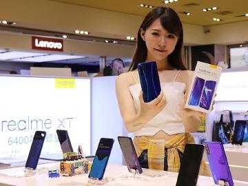 台灣11月手機銷售排行洗牌 realme與紅米成長幅度大