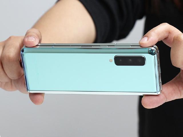 6鏡頭、摺疊手機 SAMSUNG Galaxy Fold相機實測