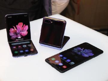 三星Galaxy Z Flip維修難度比Fold好些 UTG玻璃外有塑膠保護層