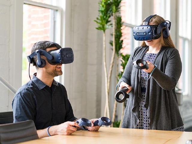 鎖定VR企業用戶 HTC推出Vive Pro Eye商用版