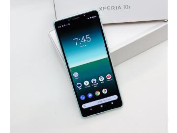 三鏡頭防水中階手機 Sony Xperia 10 II開箱