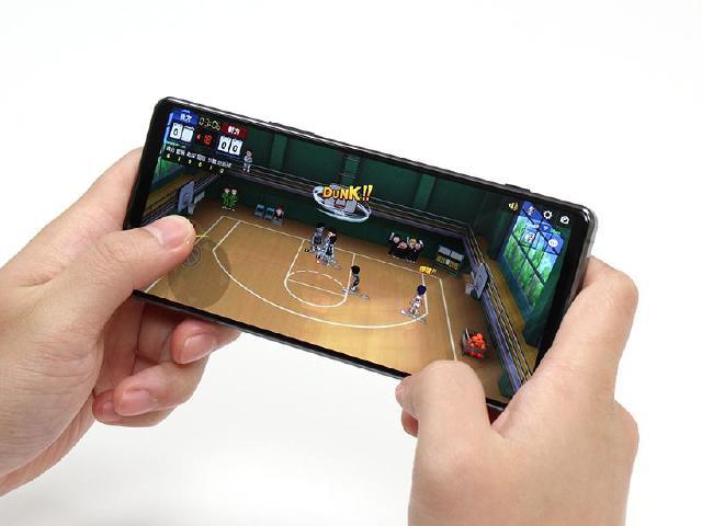 Sony Xperia 1 II旗艦5G手機 S865效能跑分測試