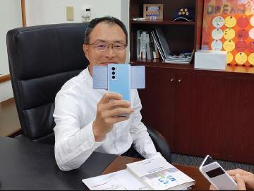 LG預告引進WING旋轉雙螢幕手機 台灣第4季上市