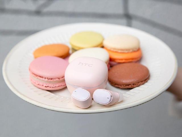 HTC真無線藍牙耳機再推櫻花粉新色 1/13預購享限時優惠