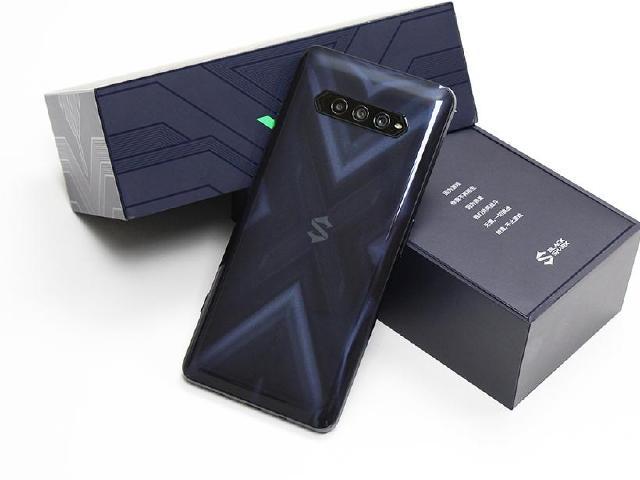 高CP值的S870遊戲手機!黑鯊4幻鏡黑搶先開箱
