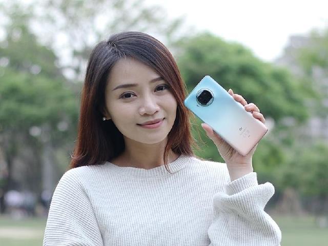 漸層玫瑰金、萬元有找的5G手機!小米10T Lite開箱
