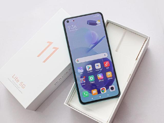 萬元有找、超輕薄5G手機!小米11 Lite開箱跑分