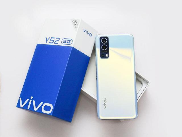 大螢幕、大電量 vivo Y52 5G入門手機開箱