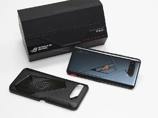 性能升級、彩色幻視螢幕更奪目 ROG Phone 5s Pro開箱跑分
